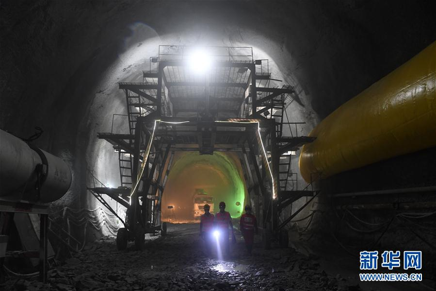 Chinesisches Großprojekt: eine Eisenbahn für den Kohlentransport