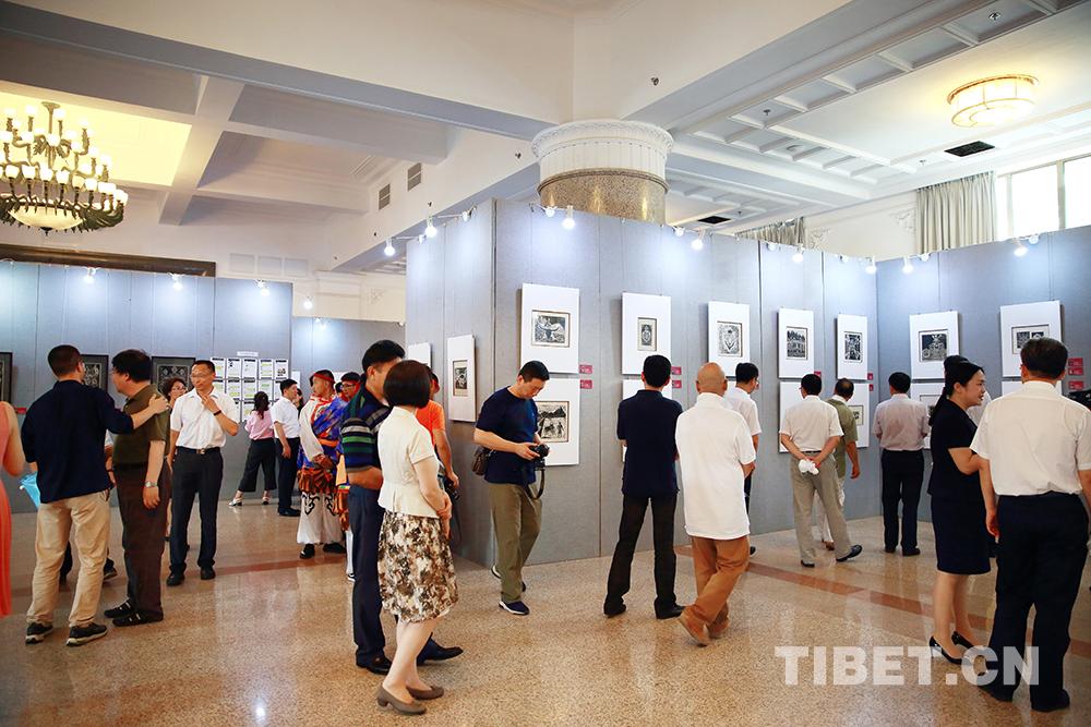 辽阳第一中学西藏班师生美术作品亮相北京民族文化宫