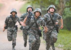 9年军营淬火 11个藏族战士个个当上班长