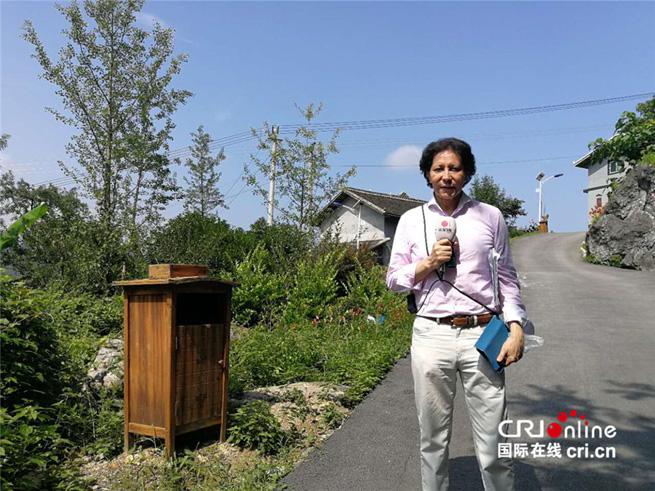 Spanischer Journalist lobt Aufbau neuer Dörfer in China