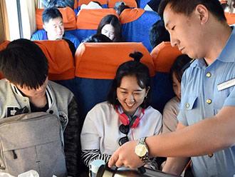 服务旅客 保出行安全