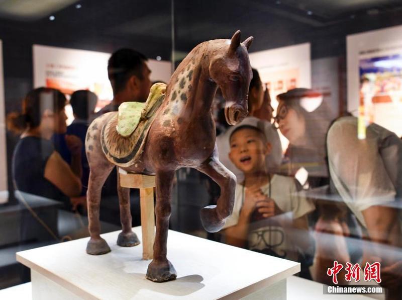 Restaurierte Kulturgegenstände in Xinjiang ausgestellt
