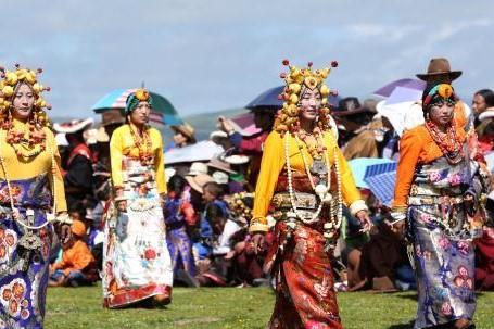 Grasland-Touristenfest in Qinghai eröffnet
