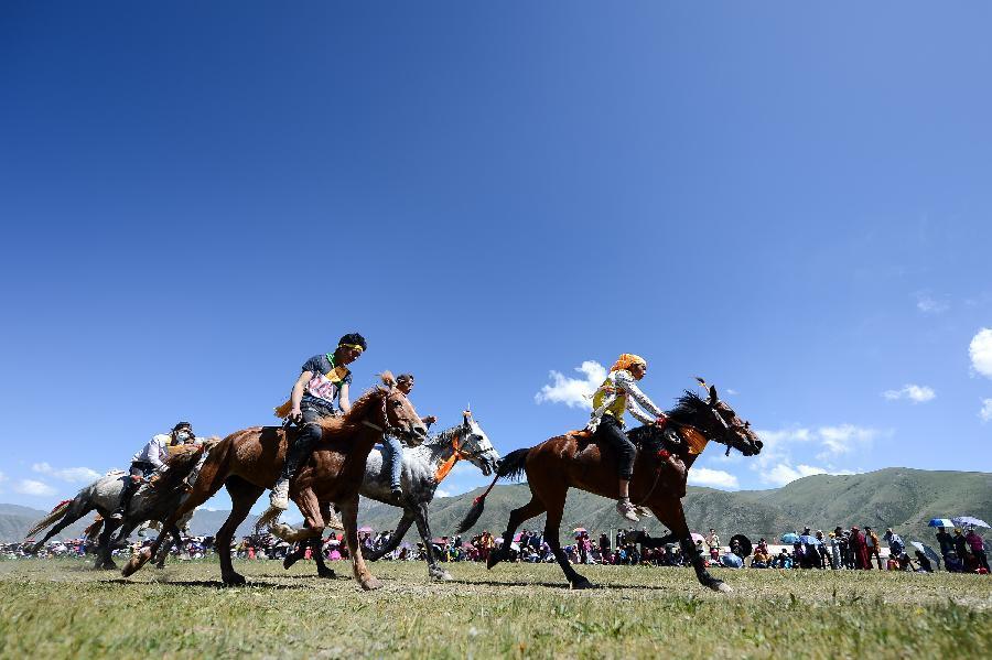 Weiterführungen auf Pferderücken in Yushu