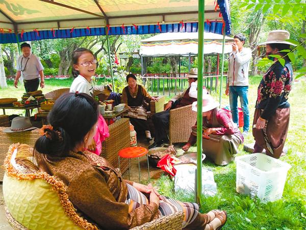 Glückliche Zeit des Lingka-Festivals