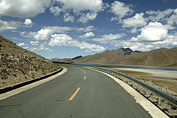 今年西藏将建设美丽公路278公里