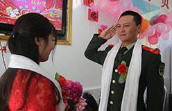 """""""亲爱的,嫁给我吧""""——军营里的婚礼是啥样?"""