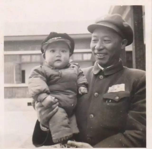 建军90年老兵老照片:爸爸的长征和西征故事