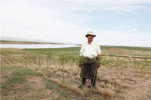 Man leads by example to protect Gansu's pastures