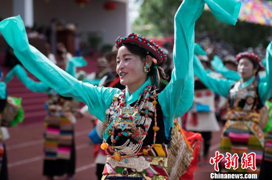 Damar Festival held in SW China