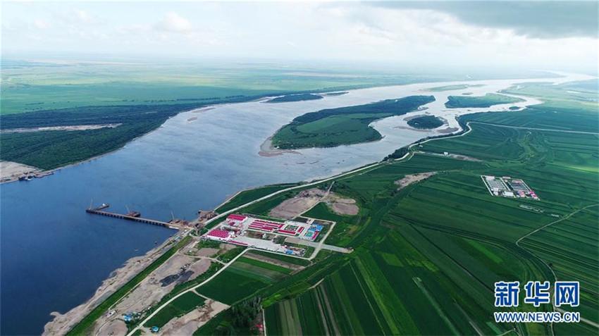 Brücke zwischen China und Russland im Bau