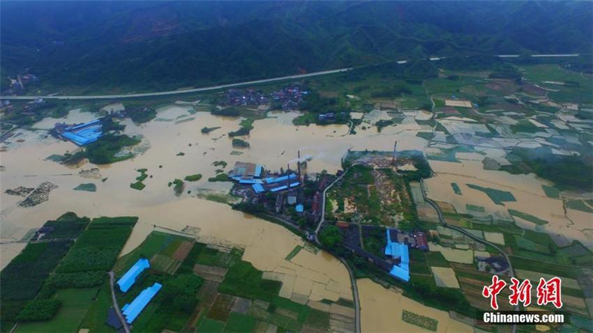 Oberlauf des Perl-Flusses von Überschwemmungen betroffen