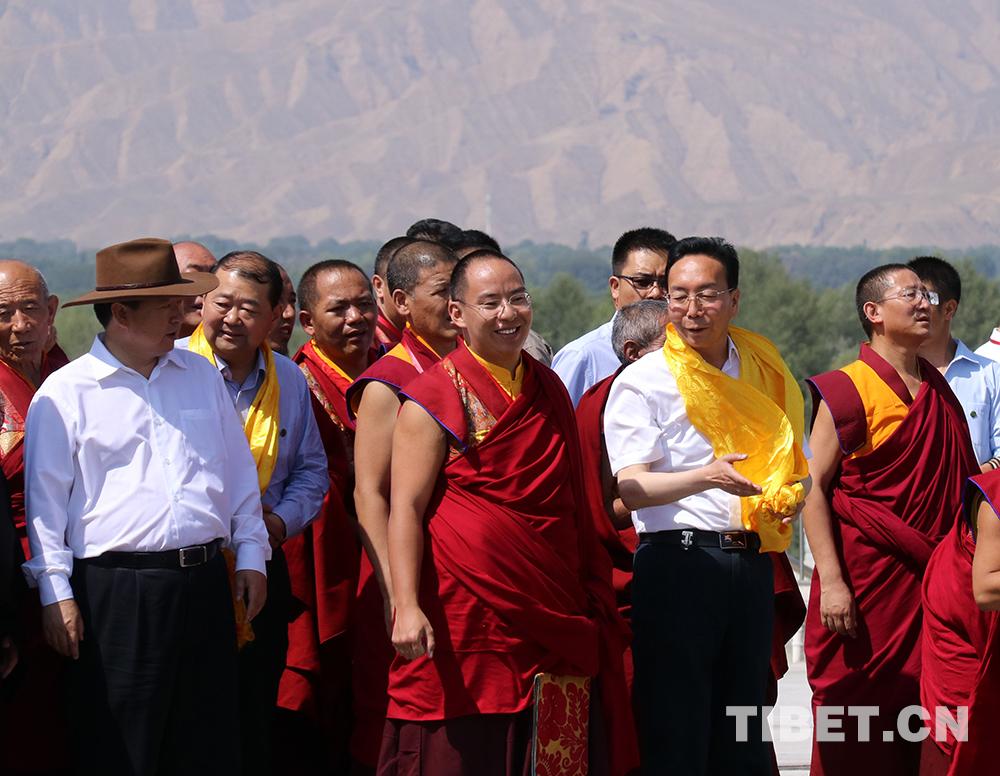 Penchen Lama besucht das Kumbum-Kloster, Geburtsort Tsongkhapas (II)