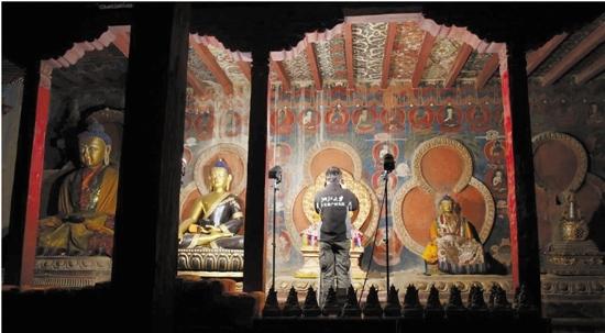 Wandgemälde des Tholing-Klosters werden hochpräzise digital archiviert