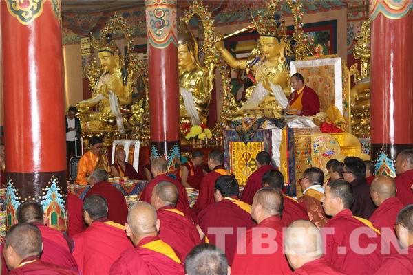 班禅在青海省藏语系佛学院讲经