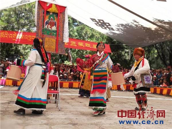 雪顿节开幕掀起西藏文化旅游高潮