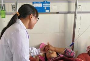 产妇术后急需大量输血 温江援藏医生曾容紧急献血