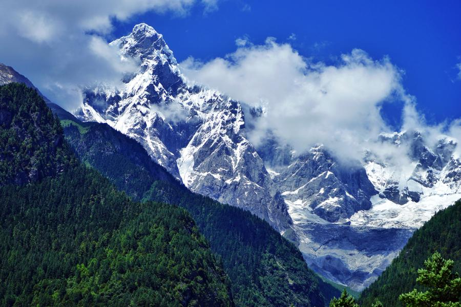 Father of all mountains in Tibet —— Namcha Barwa