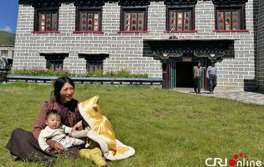 Pressedelegation aus der Mongolei in den tibetischen Regionen
