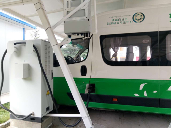 First PV charging station on plateau holds test run