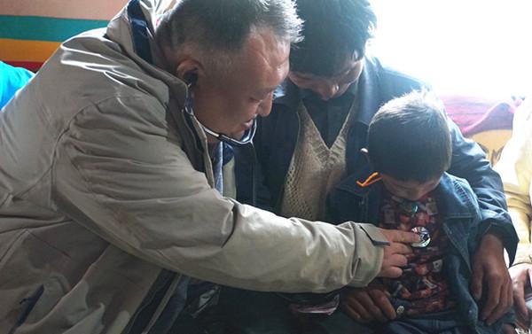 """""""光彩•民生银行西藏儿童先心病救治项目""""顺利完成第一阶段回访"""