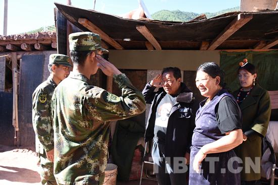 扶贫帮困谱写军民情——记武警西藏森林总队昌都中队走访慰问驻地退伍老战士