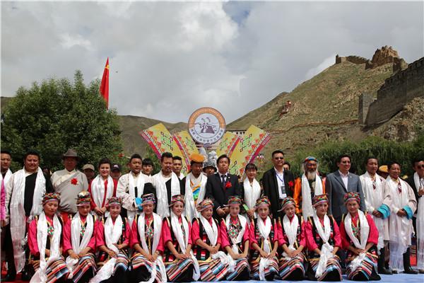 【援藏故事】湖北襄阳市考察团向西藏琼结县捐赠资金700万元