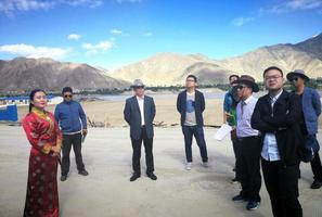 湖南媒体代表团赴西藏山南采访援藏工作