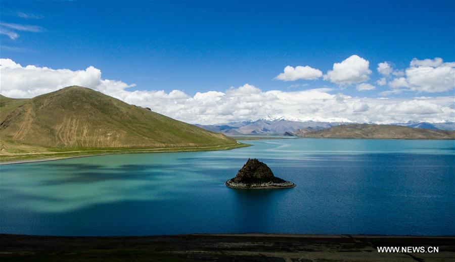 Tibet receives over 8.6 mln tourists in H1
