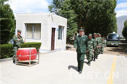 武警西藏森林总队迎来2017年度第一批新兵