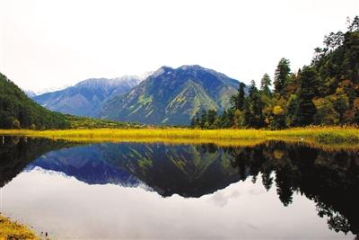 """良好的生态环境 绝美的""""西藏江南"""""""