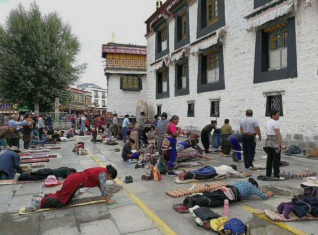 Buddhistisches Pilgern
