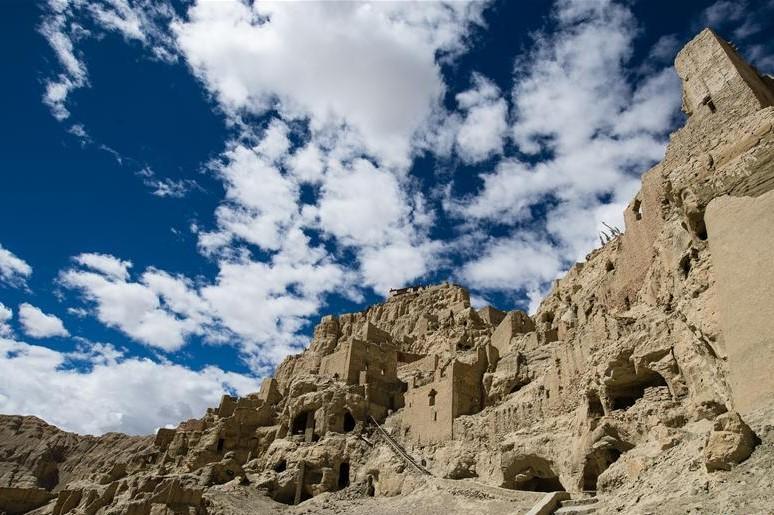 In die Ruinen des Guge-Königreichs