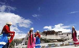 """西藏旅游从业人员达35万 12万农牧民吃上""""旅游饭"""""""