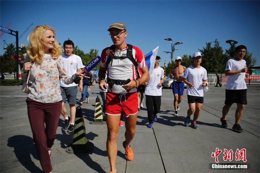 Russischer Sportler läuft von Moskau nach Beijing