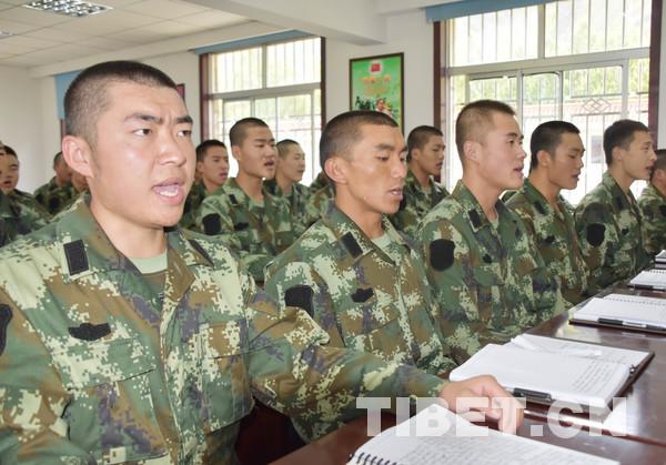 Rekrutenalltag in Kaserne