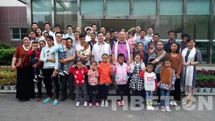 12名西藏山南市先心病患儿在武汉成功接受爱心救治后返藏