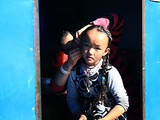 扎西岗村:鲁朗林海的静谧村庄