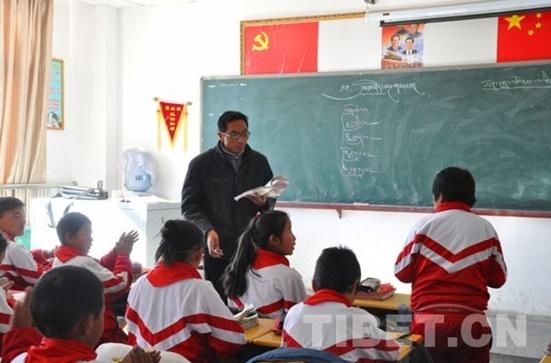 """【改革•印记】""""在藏区,最漂亮、最好的建筑肯定是学校"""""""