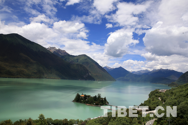 Two highest ranking tourism attractions added to Tibet