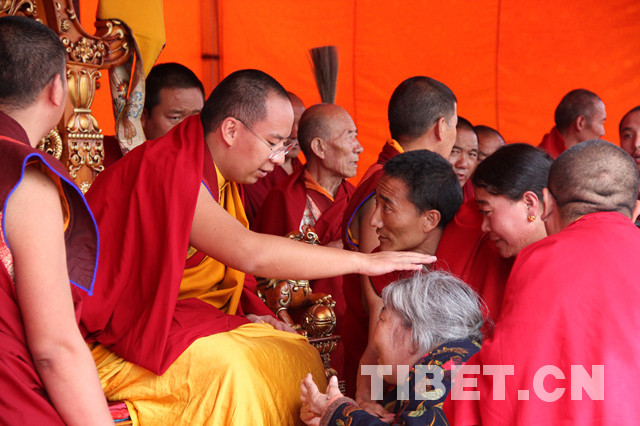 The Panchen Lama visits Chamdo