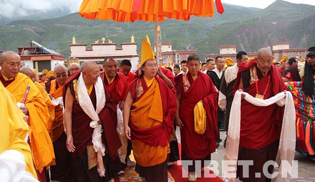 Panchen Lama hält buddhistisches Ritual im Chamdo-Kloster ab