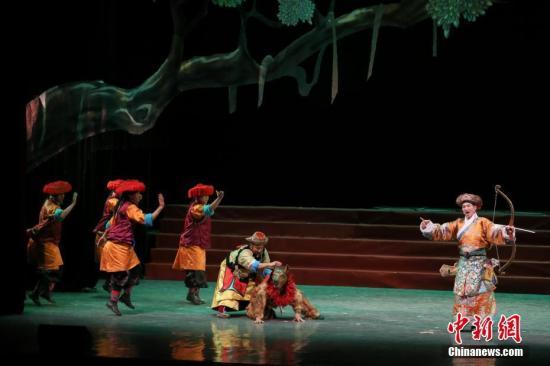 Die Tibet-Oper wird in Gannan live überliefert