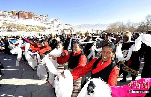 Bräuche des tibetischen Neujahrs