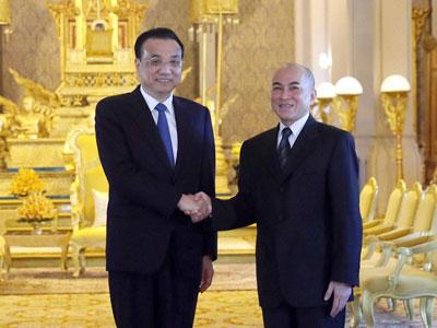 Li Keqiang: Rückkehr von Kambodscha-Reise