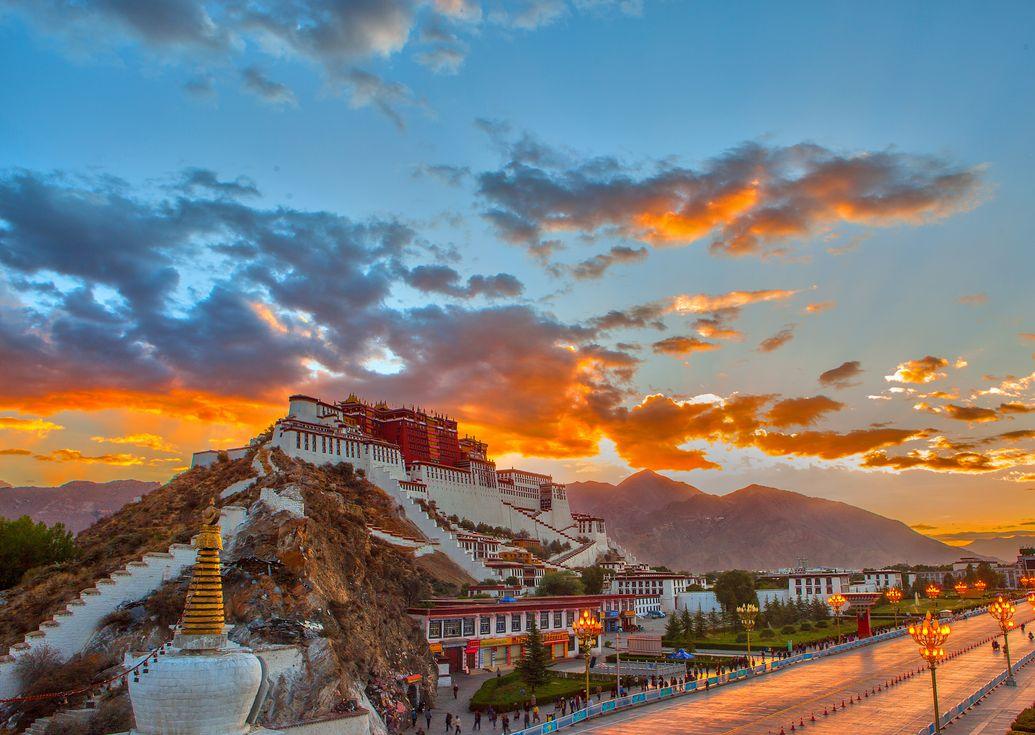 3. Tagung des 11. Komitees der PKKCV der Stadt Lhasa eröffnet