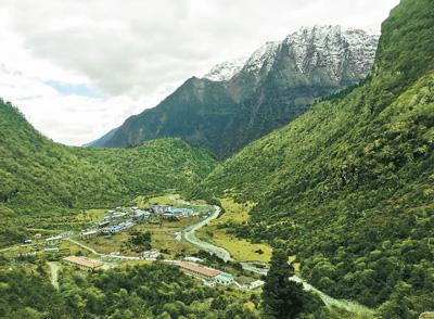Gemeinde Yümai baut Wetterstation auf