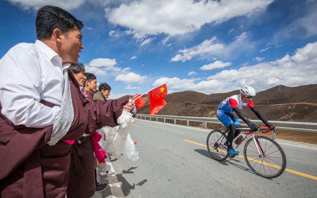 风一样的骑手翻越米拉山