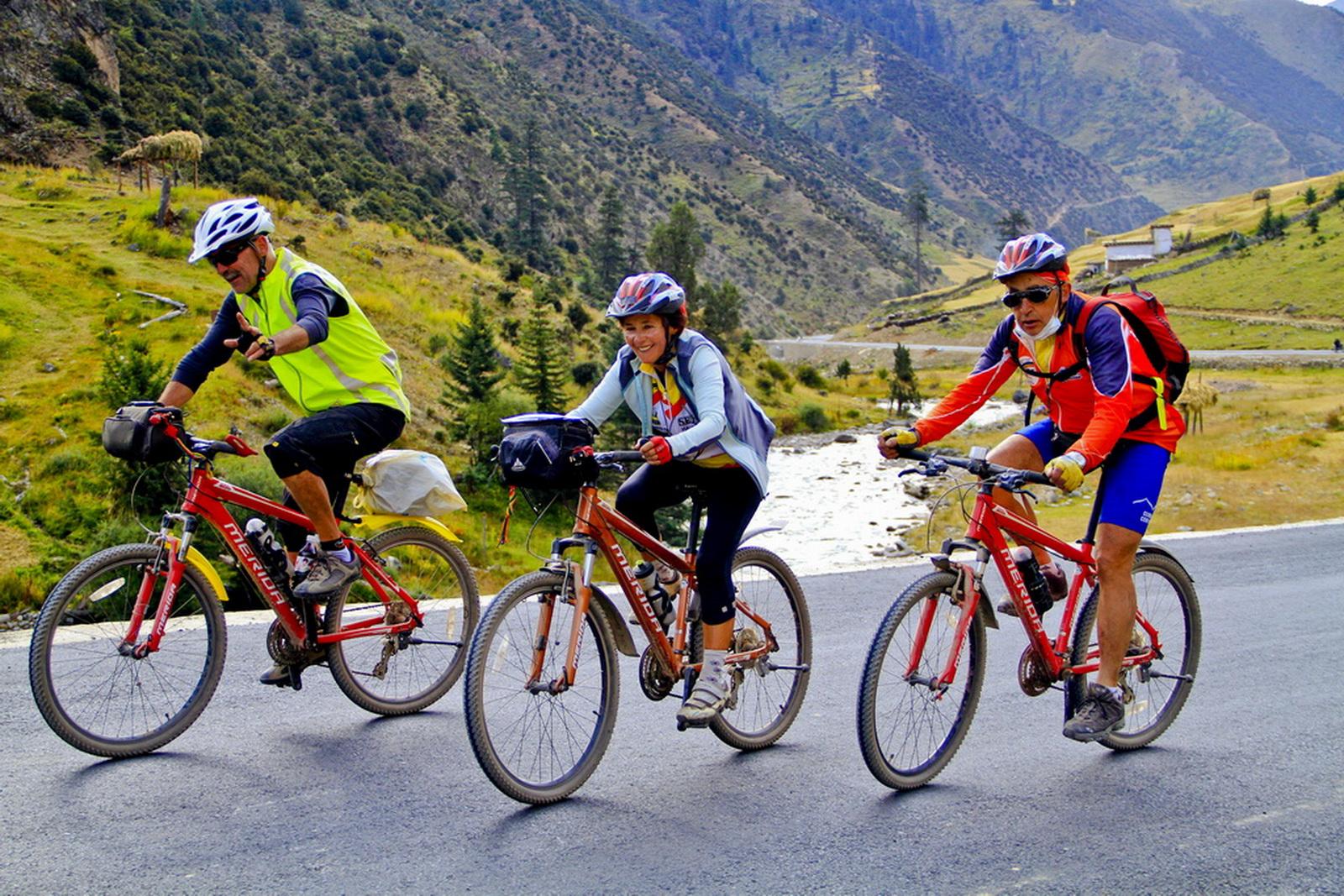 快乐骑行在西藏