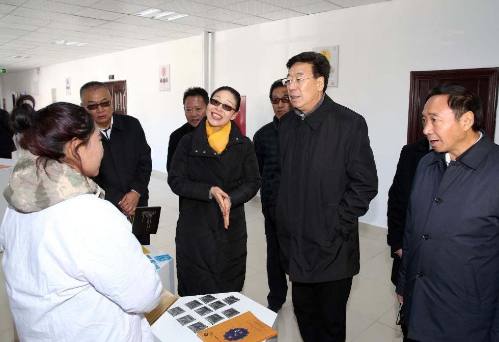 吴英杰: 用实际行动推动高质量发展和绿色发展